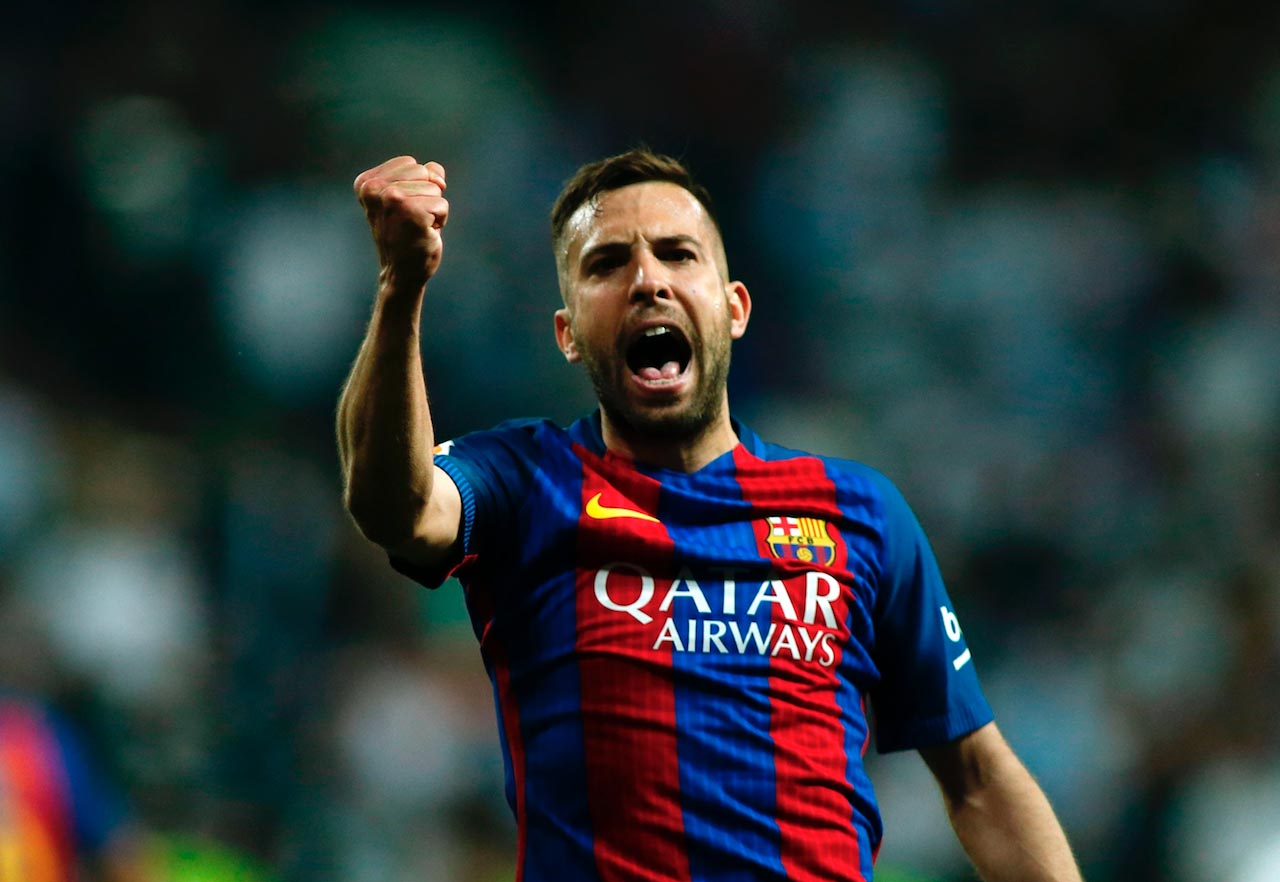 Barcelona star Jordi Alba joins in with Chelsea s title celebrations