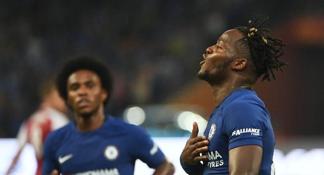 Pedro Suffers Suspected Concussion in Chelsea's Win vs