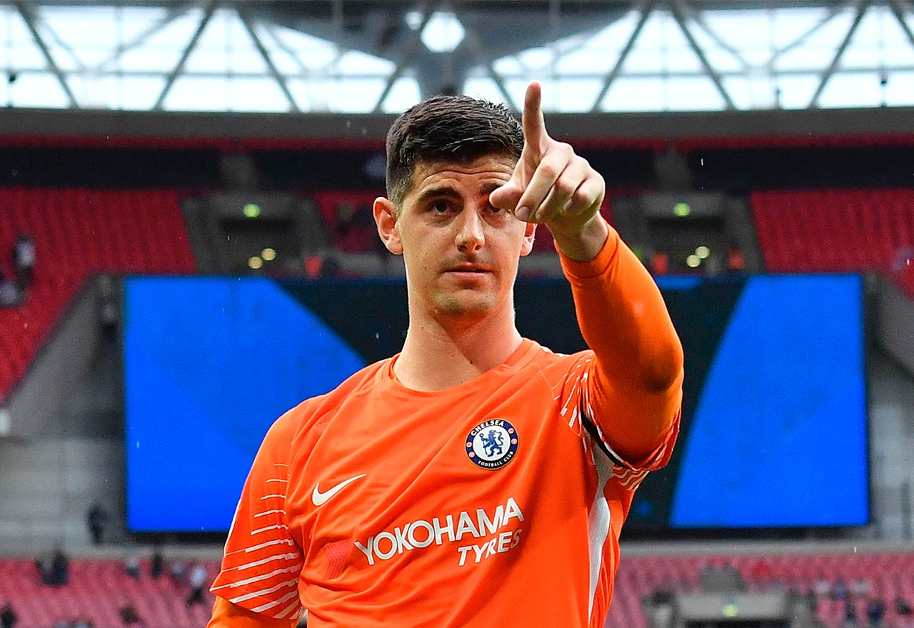 Real Madrid alerted as Courtois drops Chelsea contract bombshell