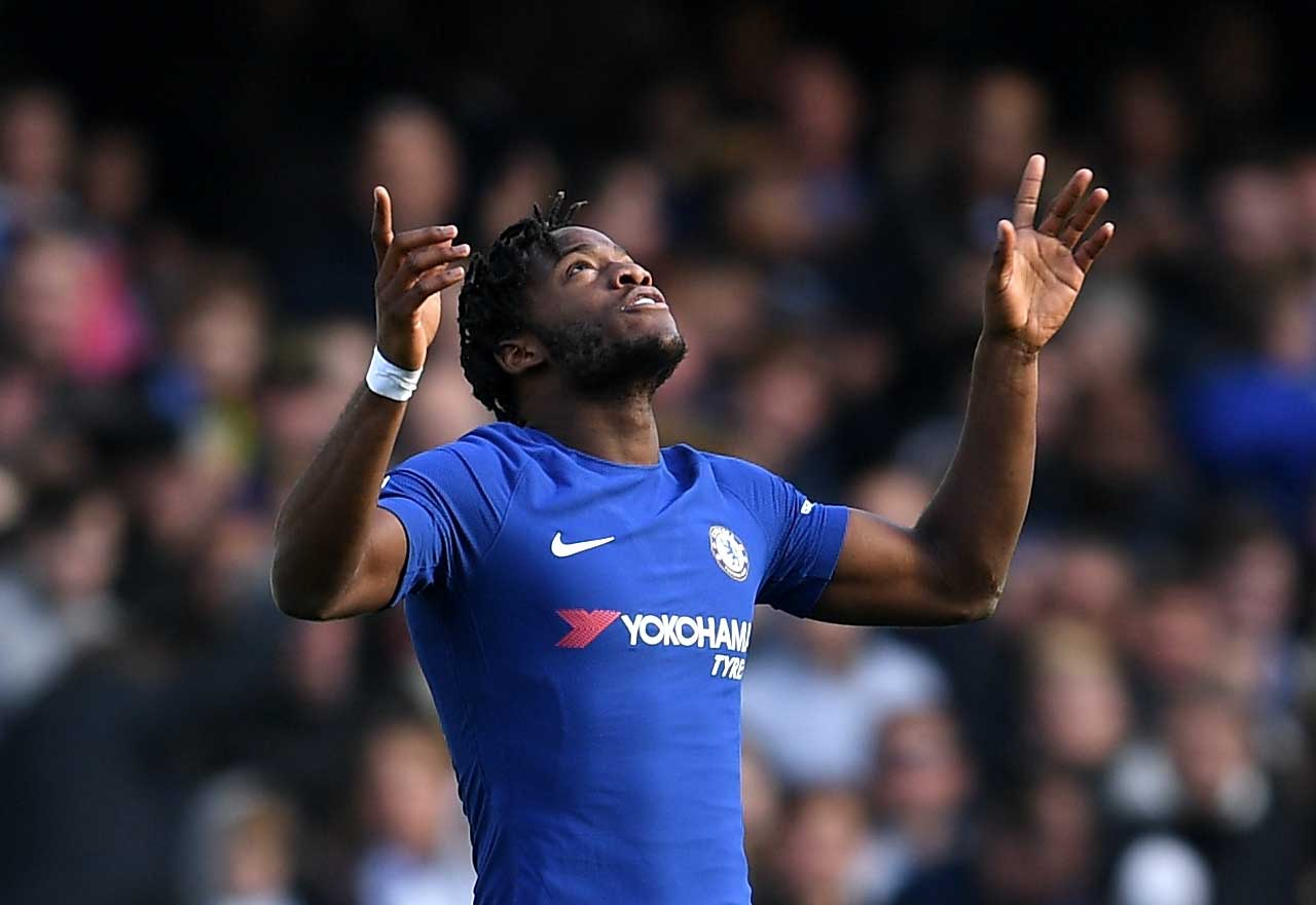 Michy Batshuayi celebrates Chelsea s victory in typical fashion on