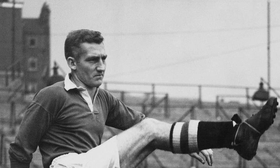 Former Chelsea captain and England player Roy Bentley dies at 93