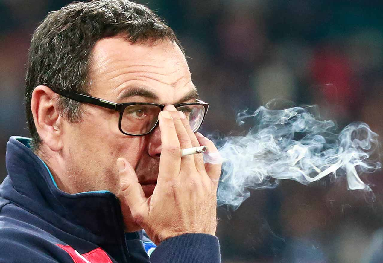 Image) Chelsea's Maurizio Sarri deals with smoking urges v Newcastle