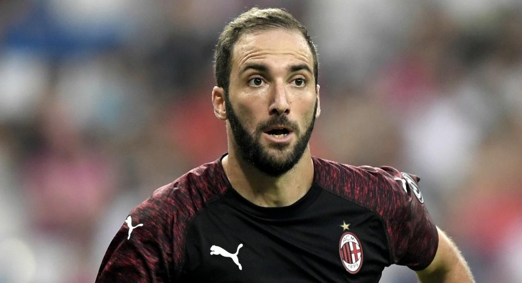 Sarri sends message to Higuain after Chelsea failed move