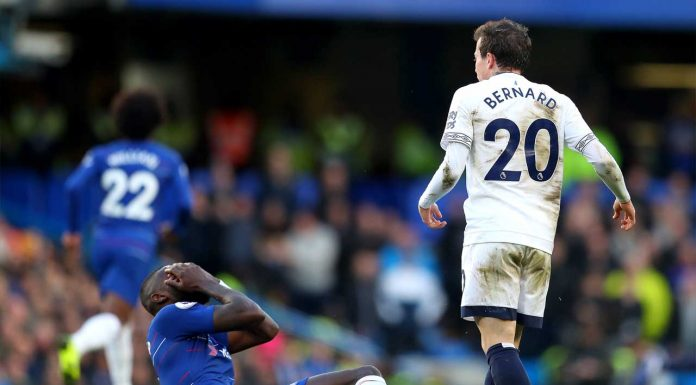 (Video) Everton's Bernard lucky to still be on the pitch after blatant headbutt on Rudiger