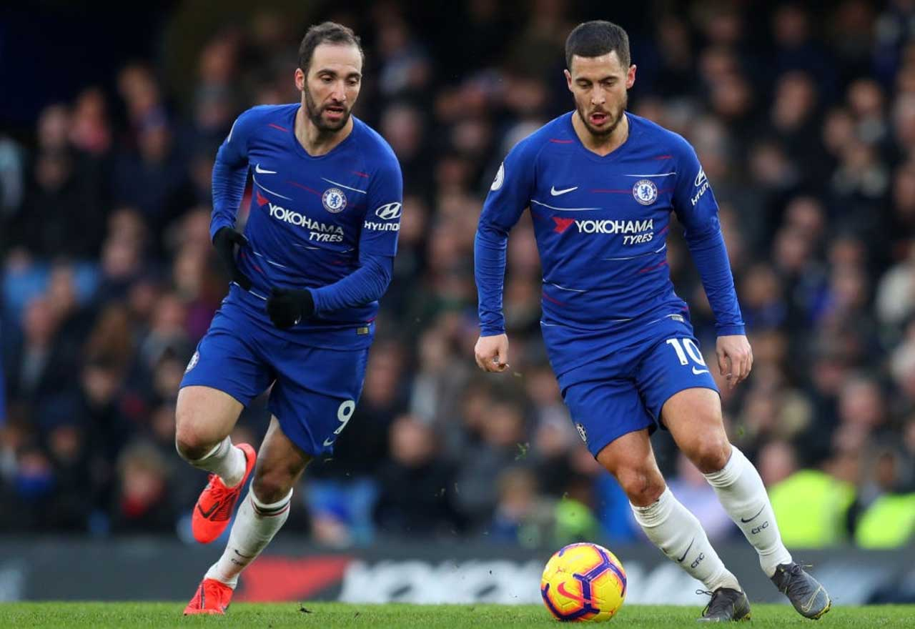 Chelsea v Man United team news: Hazard & Higuain in, no Hudson-Odoi