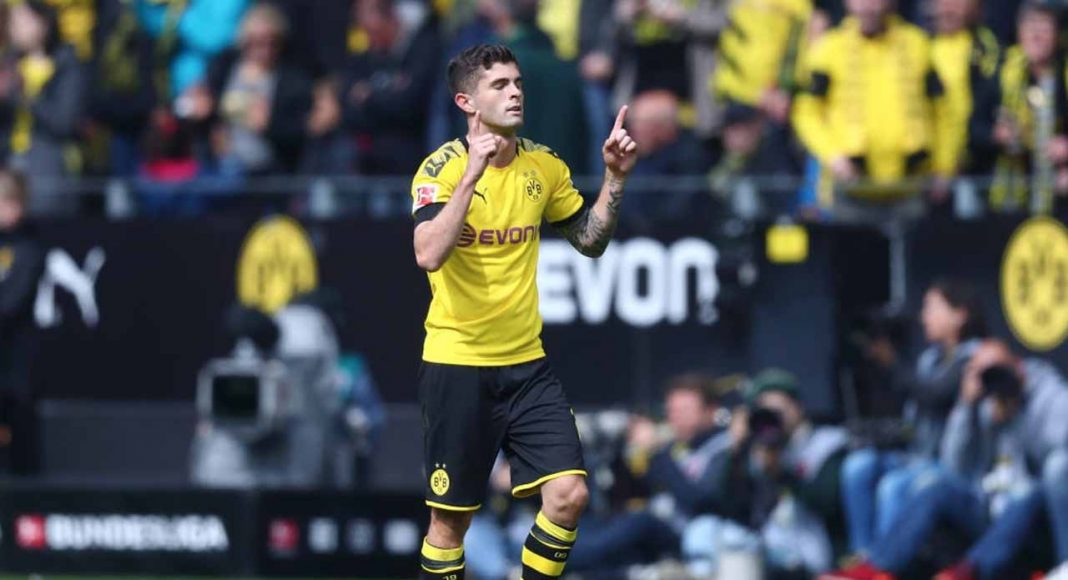 Bayern Munich: Dortmund take Bundesliga race to final day